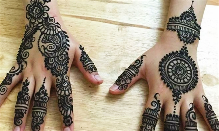 Hyperli | Henna Tattoo – Hand, Arm and/or Foot at All Things