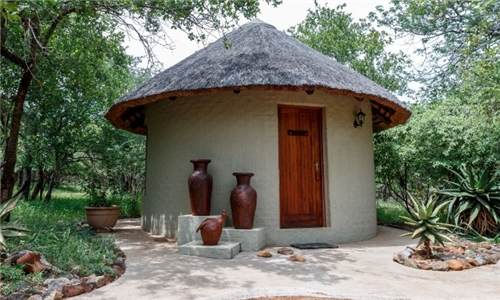 Limpopo: 2-Night Stay for up to Eight Including Breakfast & 2-Course Potluck Dinner at Pangolin Rondavel